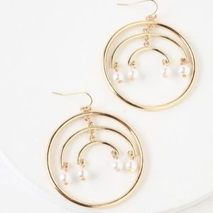 LULUS SHINE OUT GOLD AND PEARL HOOP EARRINGS